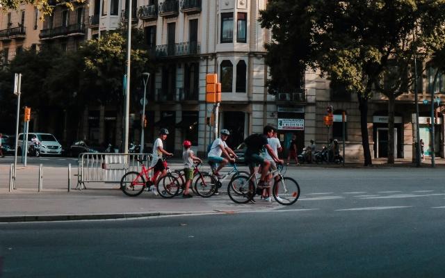 Cómo ir en bici por la ciudad consejos prácticos
