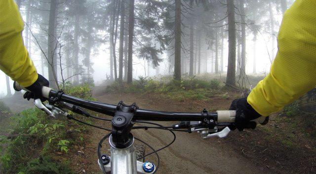manos dormidas en bicicleta, como evitarlo