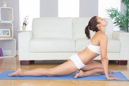 Postura yoga Paloma modificada