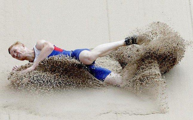 greg-rutherford-campeon-olimpico-longitud-accedio-final-sin-problemas-1440405881484