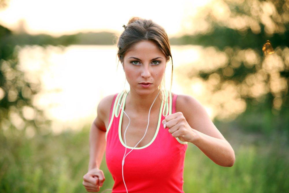 Correr o caminar para bajar de peso: ¿qué es mejor?