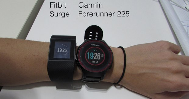 fitbit-surge-vs-Forerunner-225-2