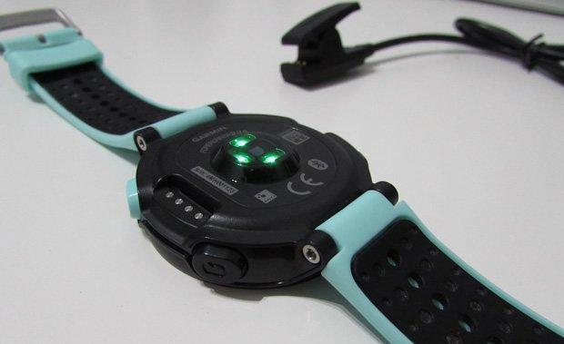 sensor óptico frecuencia cardíaca garmin forerunner 235