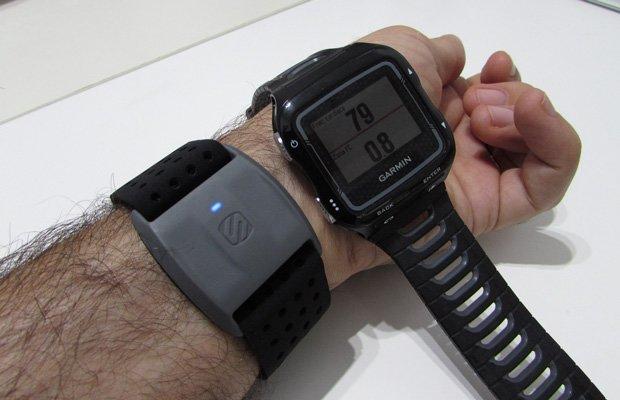 Scosche Rhythm plus sensor óptico de frecuencia cardíaca en muñeca Garmin