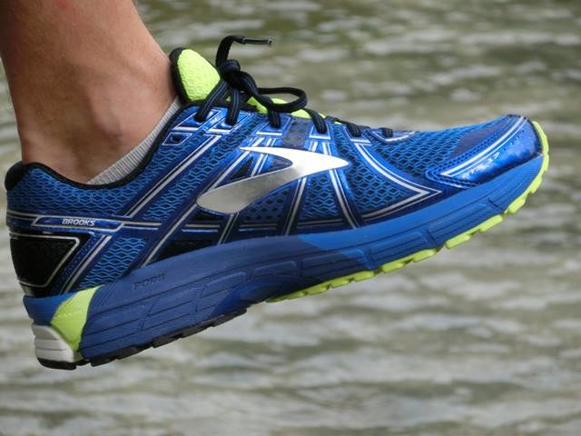 Brooks Adrenaline GTS 17 Review Completa