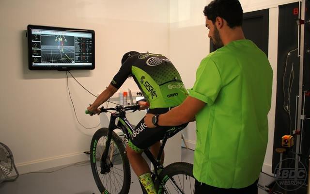 observación de biomecanica ciclismo