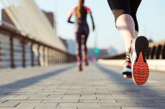calorias running. adelgazar corriendo. perder peso. calorías por deporte