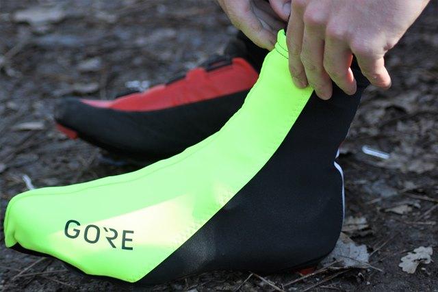 cubrezapatillas ciclismo gore calcetines