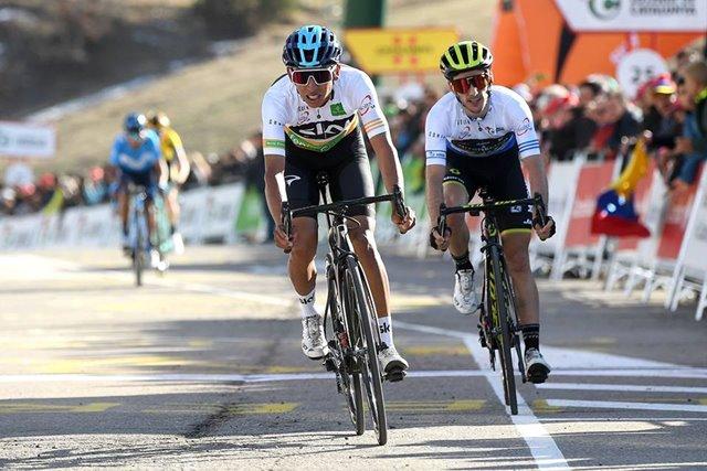 egan bernal sky ciclismo colombia