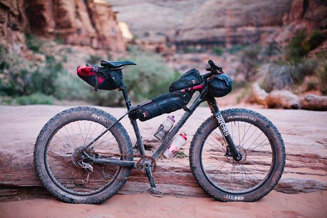 bicicleta bikepacking