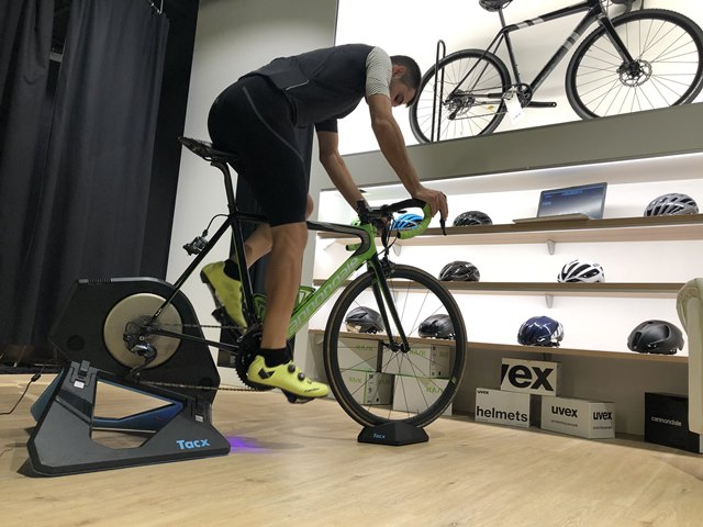 "interactive roller direct transmission tacx ""width ="" 640 ""height ="" 480 ""srcset ="" https://www.sport.es/labolsadelcorredor/wp-content/uploads/2019/10/rodillo-interactivo-transmision-directa-tacx .jpeg 640w, https://www.sport.es/labolsadelcorredor/wp-content/uploads/2019/10/rodillo-interactivo-transmision-directa-tacx-560x420.jpeg 560w, https://www.sport.es /labolsadelcorredor/wp-content/uploads/2019/10/rodillo-interactivo-transmision-directa-tacx-80x60.jpeg 80w, https://www.sport.es/labolsadelcorredor/wp-content/uploads/2019/10/ interactive-roller-direct-transmission-tacx-100x75.jpeg 100w, https://www.sport.es/labolsadelcorredor/wp-content/uploads/2019/10/rodillo-interactivo-transmision-directa-tacx-180x135.jpeg 180w, https://www.sport.es/labolsadelcorredor/wp-content/uploads/2019/10/rodillo-interactivo-transmision-directa-tacx-238x178.jpeg 238w ""sizes ="" (max-width: 640px) 100vw , 640px"