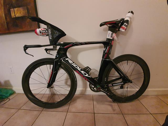 "adam hansen ironman bike ""width ="" 640 ""height ="" 480 ""srcset ="" https://www.sport.es/labolsadelcorredor/wp-content/uploads/2019/11/bicycling-ironman-adam-hansen.jpg 640w , https://www.sport.es/labolsadelcorredor/wp-content/uploads/2019/11/bicycling-ironman-adam-hansen-560x420.jpg 560w, https://www.sport.es/labolsadelcorredor/wp- content / uploads / 2019/11 / bicycle-ironman-adam-hansen-80x60.jpg 80w, https://www.sport.es/labolsadelcorredor/wp-content/uploads/2019/11/bicycling-ironman-adam-hansen -100x75.jpg 100w, https://www.sport.es/labolsadelcorredor/wp-content/uploads/2019/11/bicycling-ironman-adam-hansen-180x135.jpg 180w, https://www.sport.es /labolsadelcorredor/wp-content/uploads/2019/11/bicycle-ironman-adam-hansen-238x178.jpg 238w ""sizes ="" (max-width: 640px) 100vw, 640px"