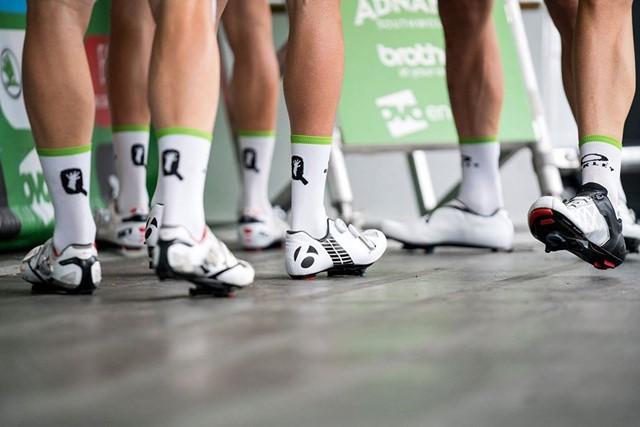 calcetines ciclismo dentro o fuera