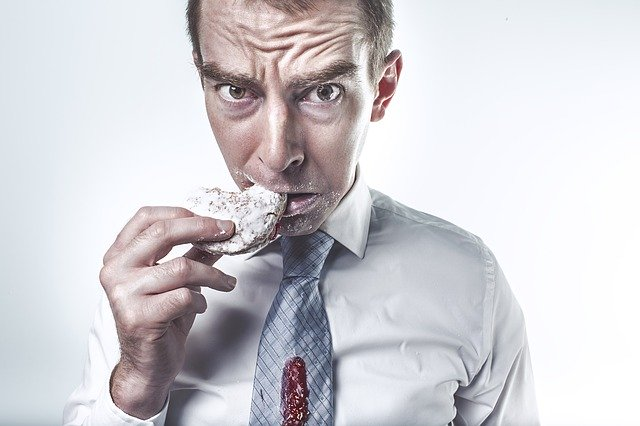"""food anxiety """"width ="""" 640 """"height ="""" 426 """"srcset ="""" https://www.sport.es/labolsadelcorredor/wp-content/uploads/2020/02/ansiedad-comida.jpg 640w, https: // www .sport.es / labolsadelcorredor / wp-content / uploads / 2020/02 / anxiety-food-631x420.jpg 631w """"sizes ="""" (max-width: 640px) 100vw, 640px"""
