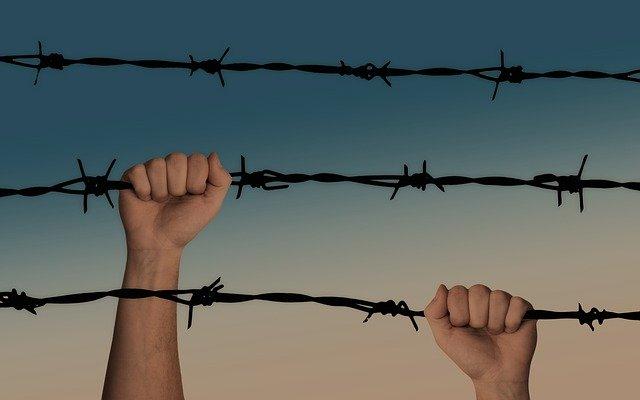 keep confinement line