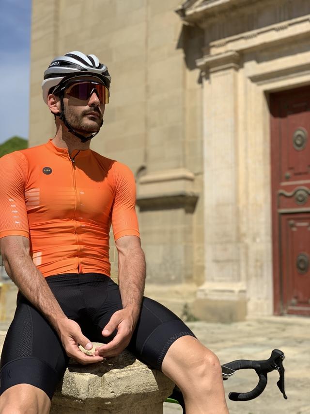 "Gobik attitude vulcano jersey ""width ="" 640 ""height ="" 853 ""srcset ="" https://www.sport.es/labolsadelcorredor/wp-content/uploads/2020/05/attitude-vulcano.jpg 640w, https: / /www.sport.es/labolsadelcorredor/wp-content/uploads/2020/05/attitude-vulcano-315x420.jpg 315w ""sizes ="" (max-width: 640px) 100vw, 640px"
