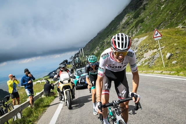How to improve on cycling climbs