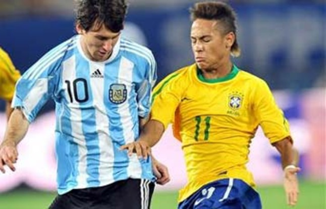 """Нападающий  """"Сантоса """" Неймар поделился впечатлением об игроках  """"Барселоны..."""