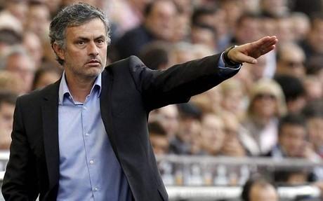 El futuro de José Mourinho parece ahora en la capital, aunque aseguró que su lugar natural era la Premier